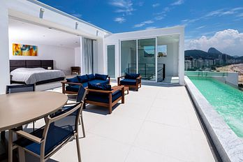 Incredible 6 bedroom triplex penthouse facing Copacabana